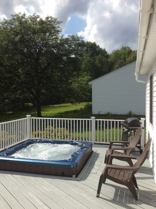 Rear deck with new Hot Tub and gas grill