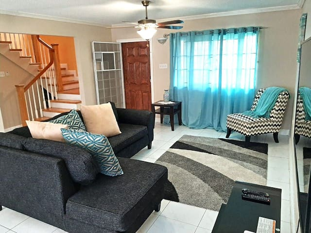 3 minutes from Sangsters  International Airport