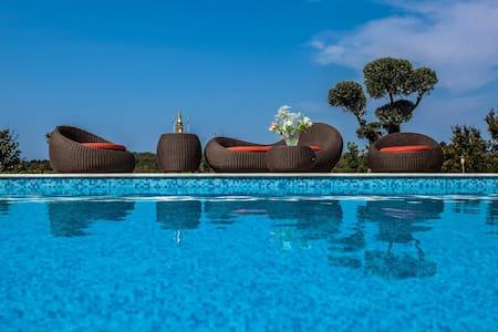 Luxury Villa Tranquility - Bibali