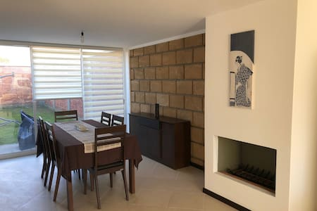 Casa amueblada cerca de Santa Fe. Furnished house.