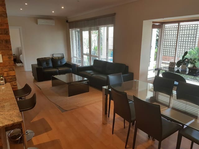 Lovely Appartment in the Heart of Sandton - Sandton - Apartament