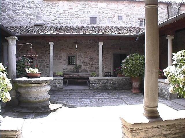 Ex-monastero di Tosina: pace, natura e sacralità