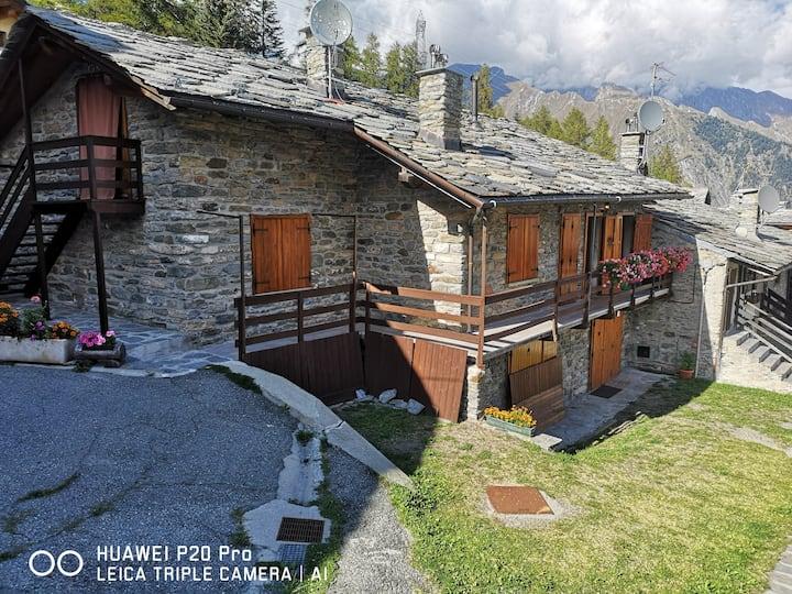 Tranquillo appartamento in borgo alpino