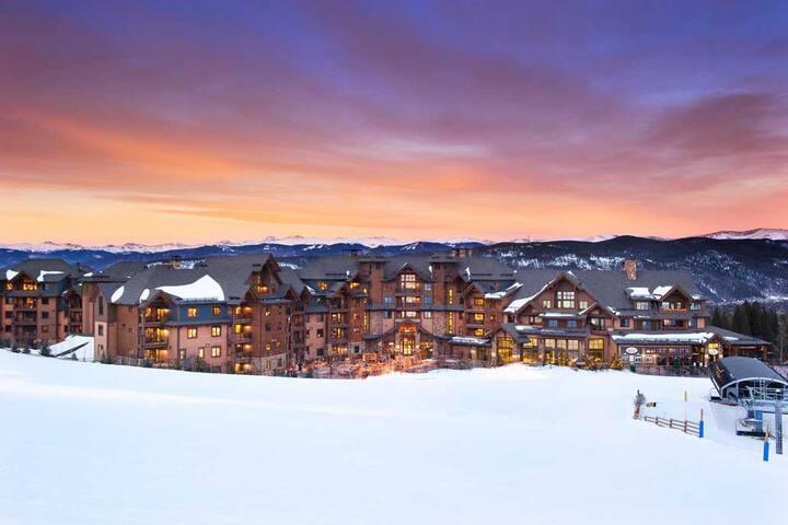 Breckenridge Ski-in Ski-out Grand Lodge on Peak 7