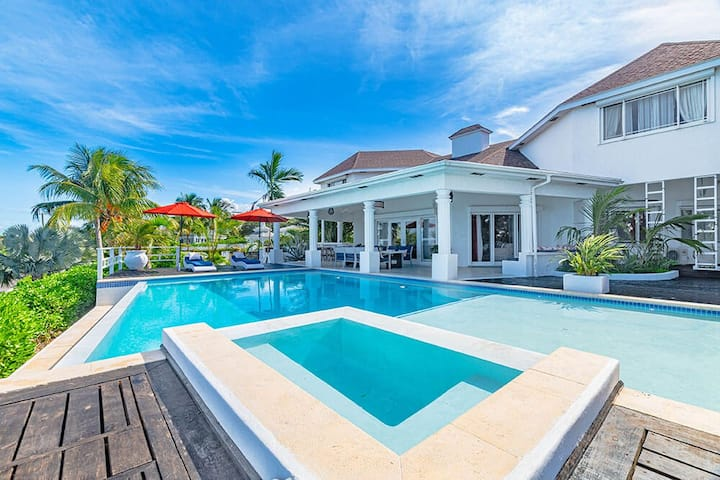 Northwinds Property at Orange Hill Beach - Private Pool
