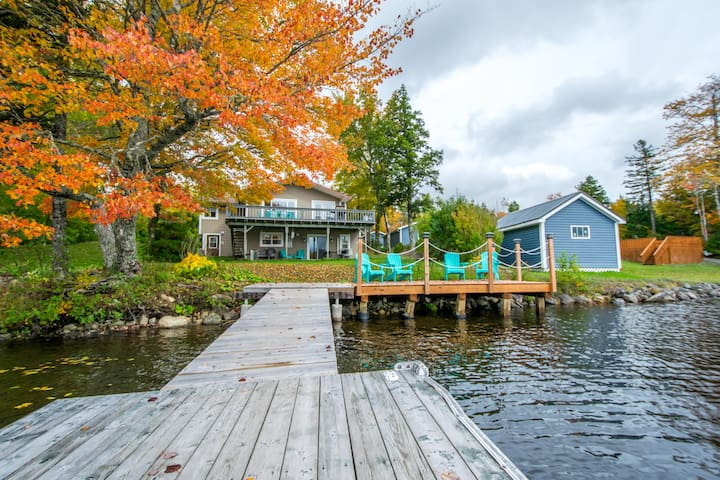 Lakefront Vacation Home - 1 hour from Halifax