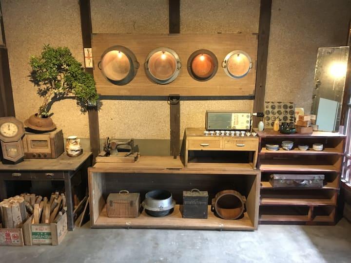 築100年の古民家を自分たちでリノベーションしたAOASHI GUEST HOUSE (個室)
