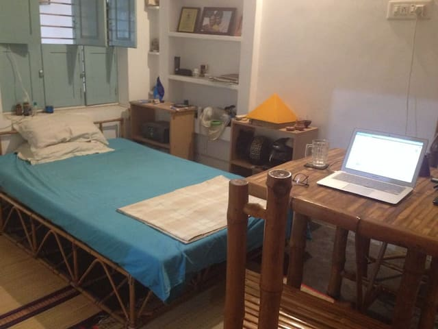 DoubleBed Budget (NO PRIVACY)