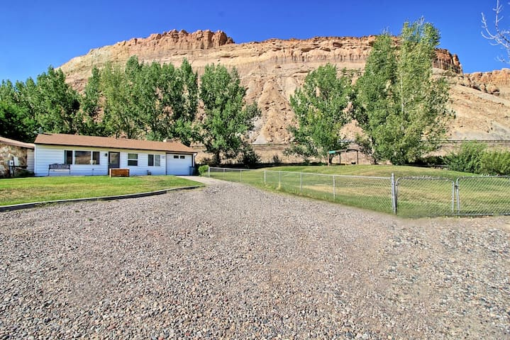 Palisade  View House