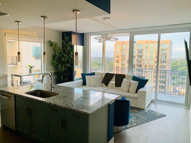 Picturesque Ubiquitous Midtown Grand Penthouse