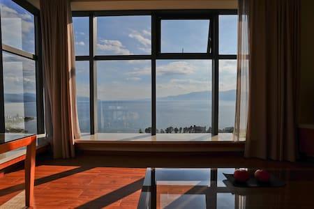 澄江抚仙湖全湖景度假酒店公寓(唯美湖景  一室两厅套房) - Appartamento