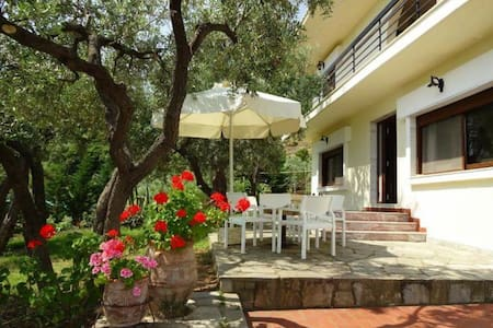 Villa Elia by the sea - Akti Salonikiou