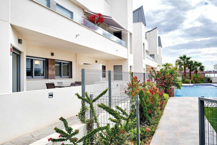 Villa Amalia 43, Bonito apartamento con terraza.