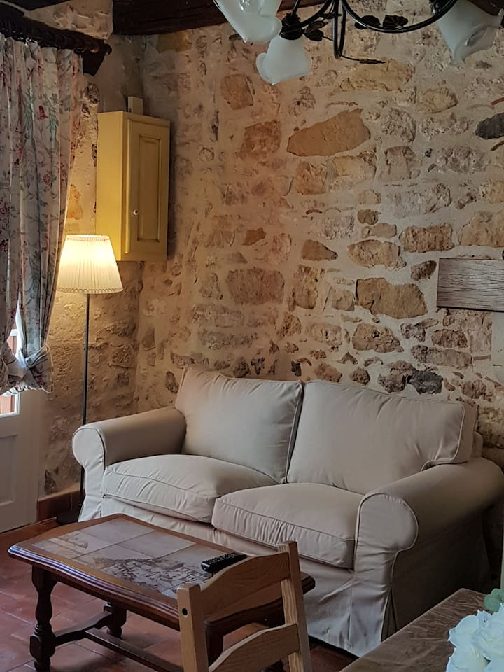 jolie maison meublée  3*  à 500 mètres des Thermes