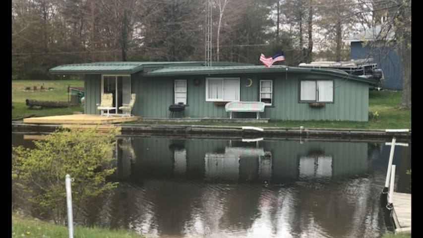 Wixom Lake cabin