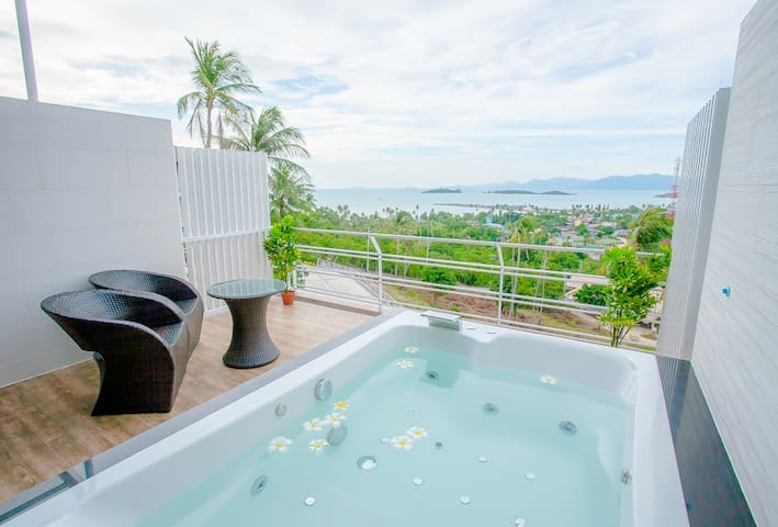 ★Couple's Getaway★ Gorgeous view | Superb 1BD |