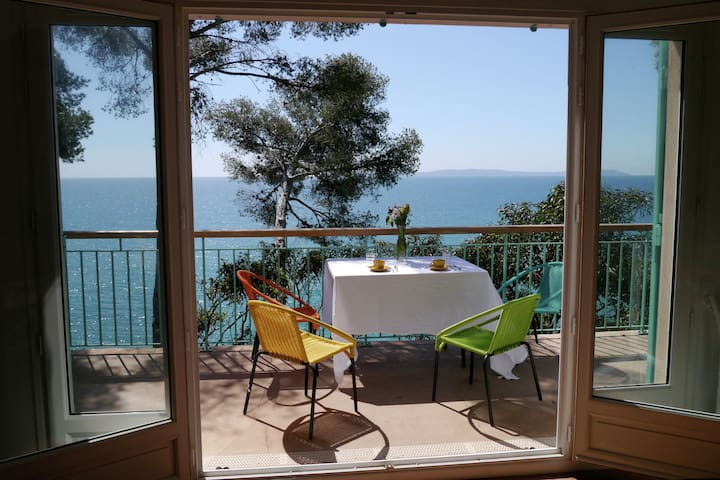 Casa de vacaciones con vistas al mar en Rayol-Canadel-sur-Mer