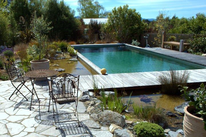 Lancewood Villa Luxury Apartment - sleeps 2 - Upper Moutere - Aamiaismajoitus