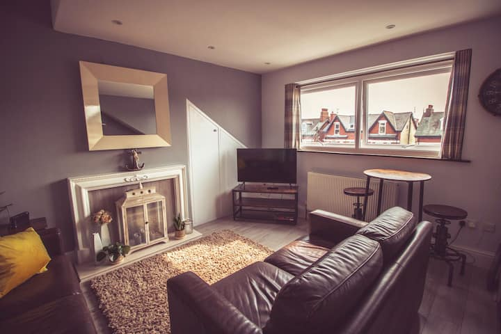 Lytham Apartments - Crows Nest. 1 Bed Apartment
