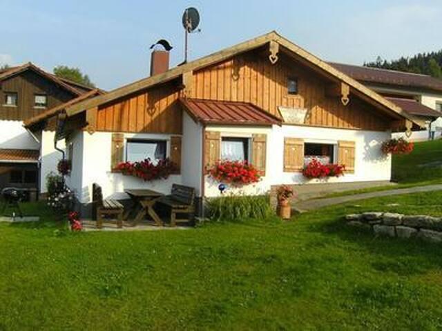 Bayerwald-Ferienhaus für 2-7 Personen