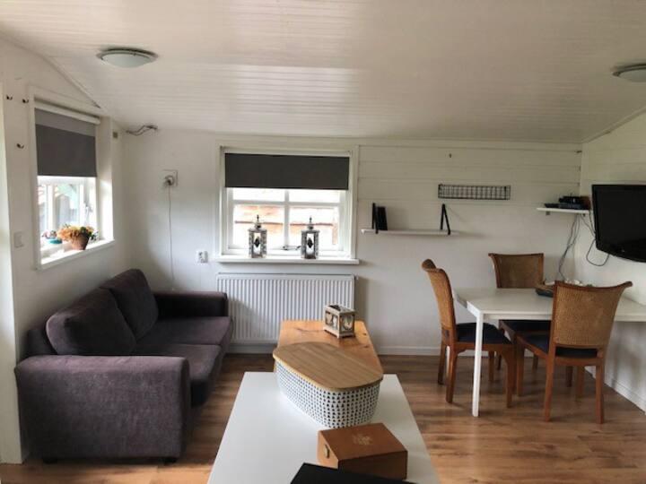 Tiny house 10km to Alkmaar. 35km to Amsterdam