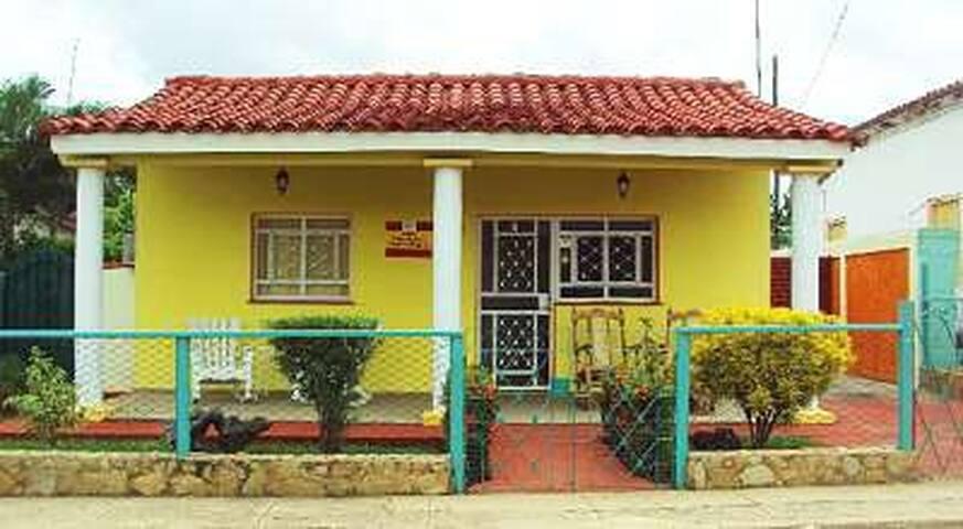 Casa Miguelito y Pedro Miguel Room 2 (VIN)