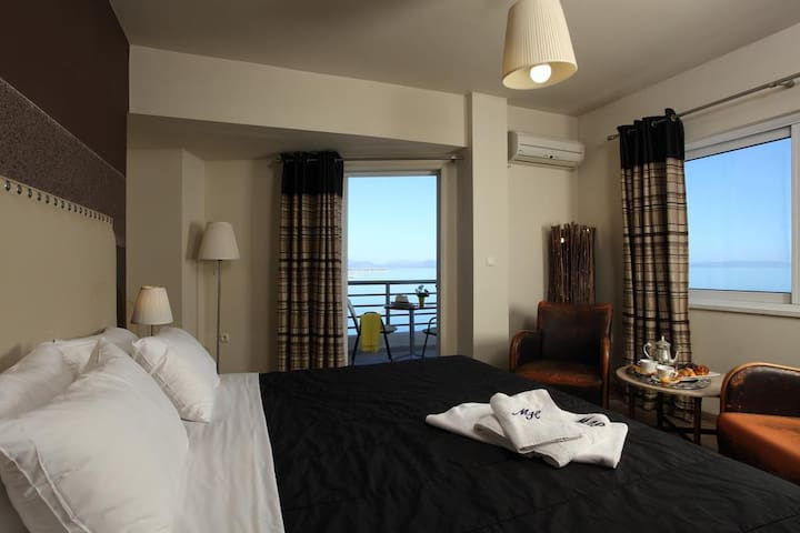 Double SeaView in Beachfront Hotel close to Rafina