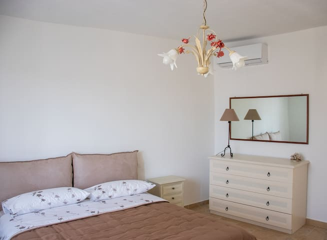 New apartment, near Aereoport and Bergamo