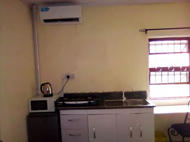 Lekki Studio2 with 24hr power, free wifi and dstv