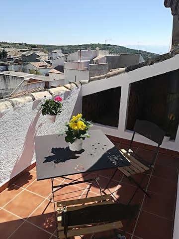 Bonita habitación con terraza privada y vistas. - Úbeda - Hus