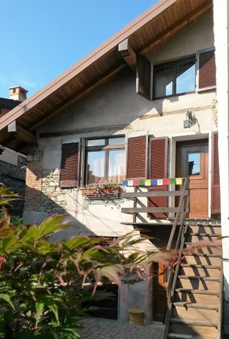 Bel monolocale vicino lago maggiore cabins for rent in for Cabin cabin vicino a lexington va