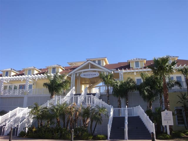 New Listing: Renovated Beach Condo w/ Ocean View