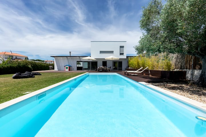 Premium Beach Villa with 4 bedrooms-Meco, Sesimbra