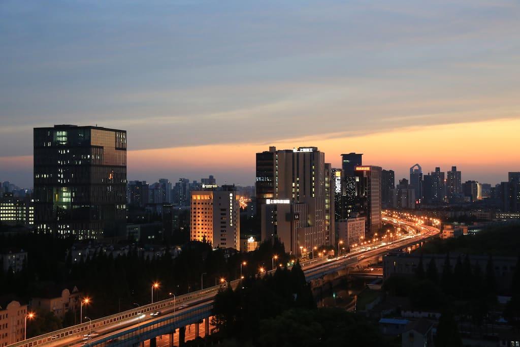市景 City View (West)