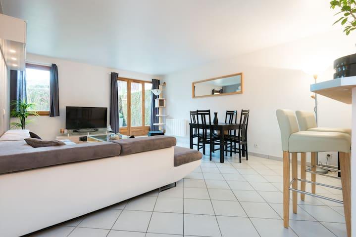 Appartement rez de jardin proche Annecy et lac
