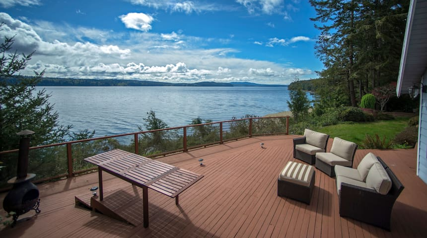 Gorgeous Waterfront Views & Very Private Retreat