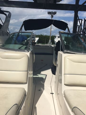 Monterrey 23ft boat condition - Key Biscayne