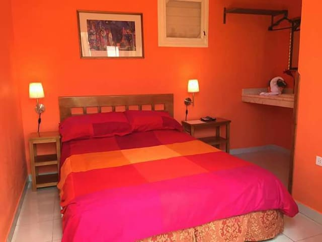 Varadero Beach and Nice garden - Orange room