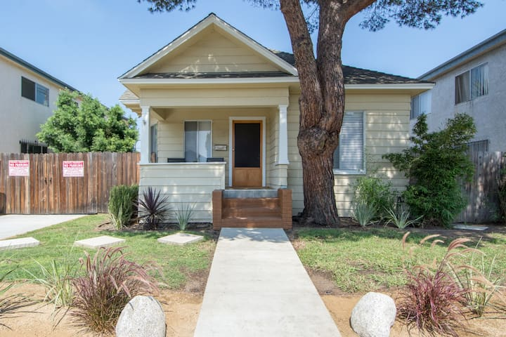 Venice Beach Coastal Cottage 2 bedrm 337