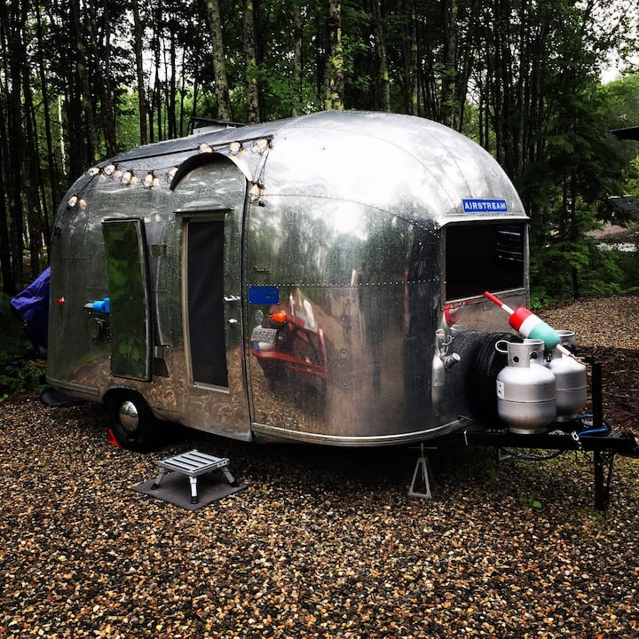 AIRSTREAM VINTAGE DREAMS+ADVENTURES