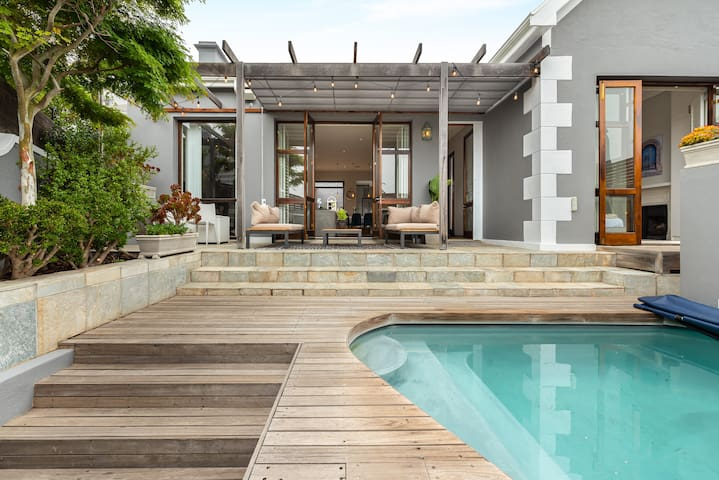 Cosy House in the heart of Sea Point