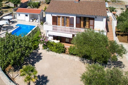 ADRIA-Holiday hous with a beautiful pool