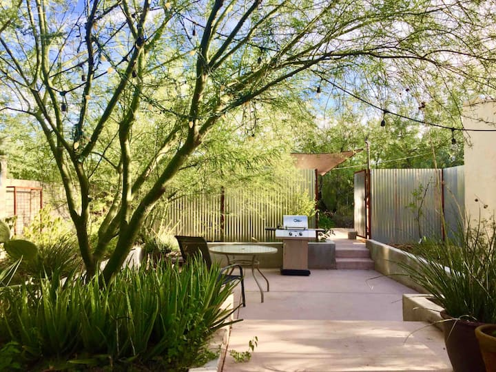 Cozy Home Minutes from UA, UMC, 4th Ave & Downtown