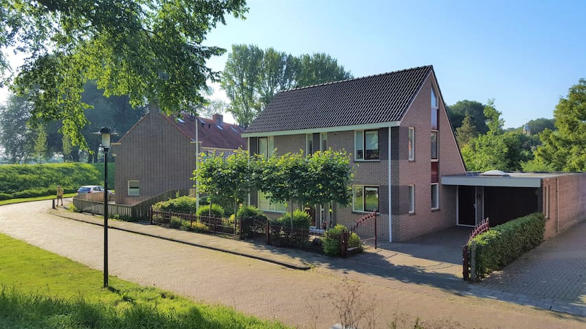 New spacious apartment Boven Jan: a lot of privacy