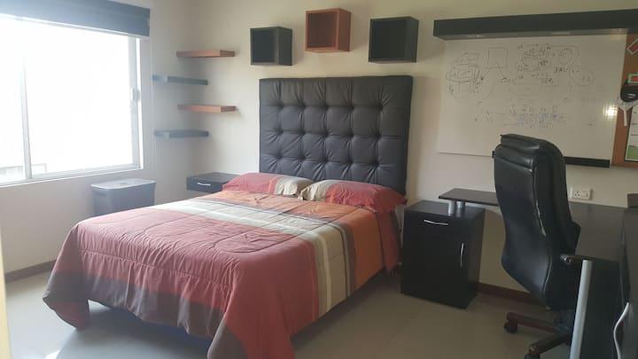 Hermosa habitación independiente