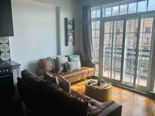 Clean modern stay in great Bushwick location