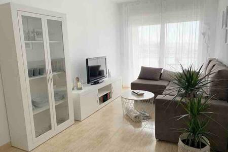 """""""FANTÁSTICO"""" piso cerca de la playa de Vinaròs"""