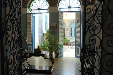 Casa Manzaneda