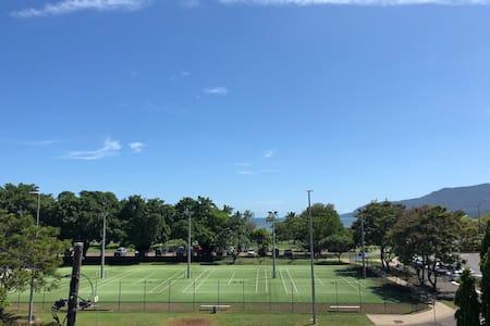 Ocean View Apartment - Cairns City