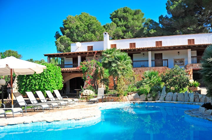 Villa Caleta with Sea View, Wi-Fi, Garden, Terrace & Pool; Parking Available, Pets Allowed
